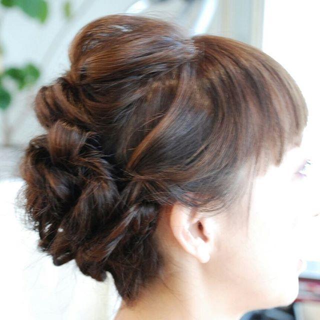 カラーとヘッドスパでご来店頂きました。最近はこの#グレージュ を気に入ってくれています。このあと、プールにお子さんと行くということで、すっきりと#くるりんぱ や、#編み込み で#まとめ髪アレンジ をしました#フェリーチェヘア  #富士宮美容室 #富士宮美容院 #美容院 #美容室 #FELICEHAIR