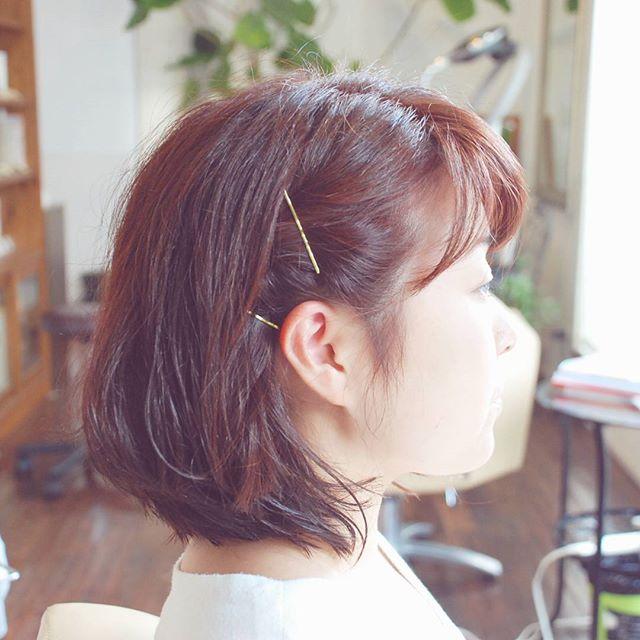すっかり伸びてしまった髪をすっきりと、#くせ毛を活かす 感じの#ショートカット に。カラーは#ピンクグレージュ に。別人みたい#かわいいヘアスタイル になりました#フェリーチェヘア #FELICEHAIR #ヘアカラー #富士宮美容室 #富士宮美容院 #美容院 #美容室 #バッサリカット
